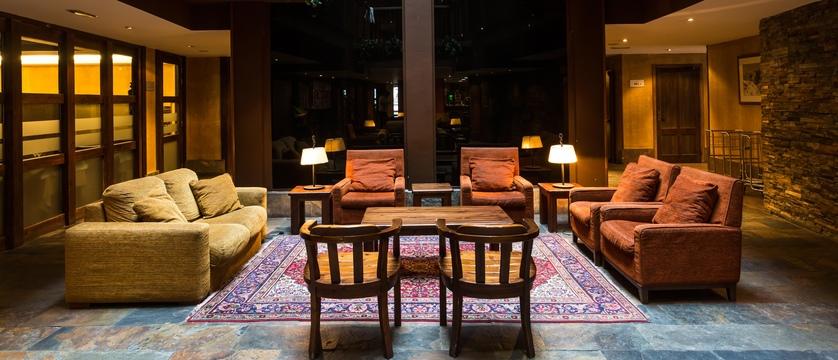 andorra_arinsal_hotel-magic-ski_lobby.jpg
